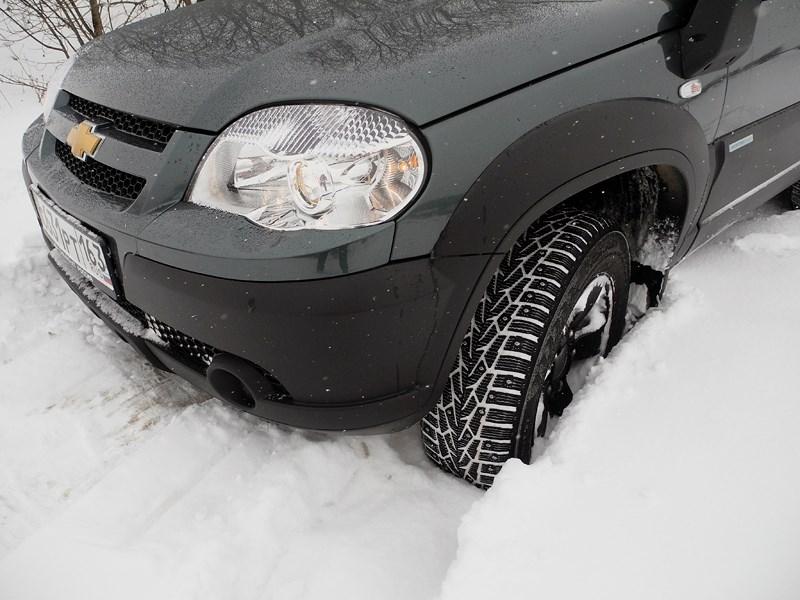 Chevrolet NIVA 2009 вид спереди