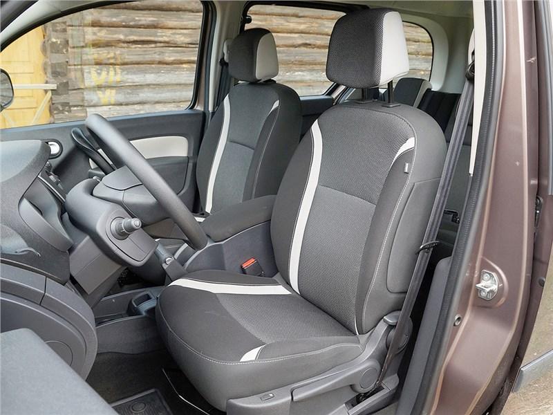 Renault Kangoo 2014 передние кресла