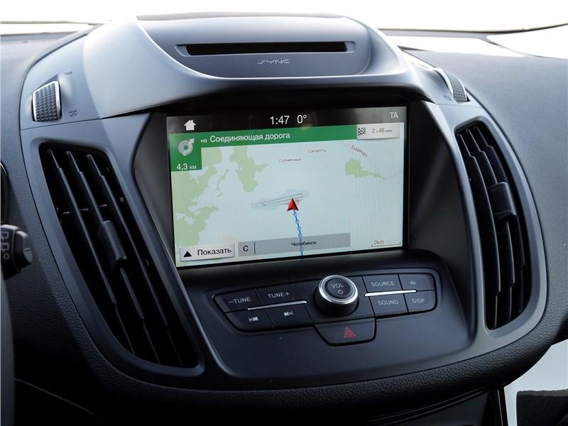 Ford Kuga 2017 центральная консоль
