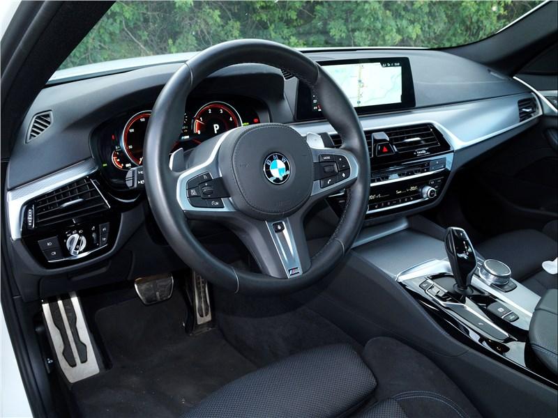 BMW 520d 2017 салон