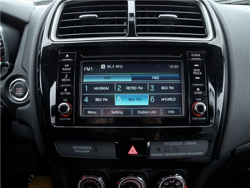 Mitsubishi ASX 2017 центральная консоль