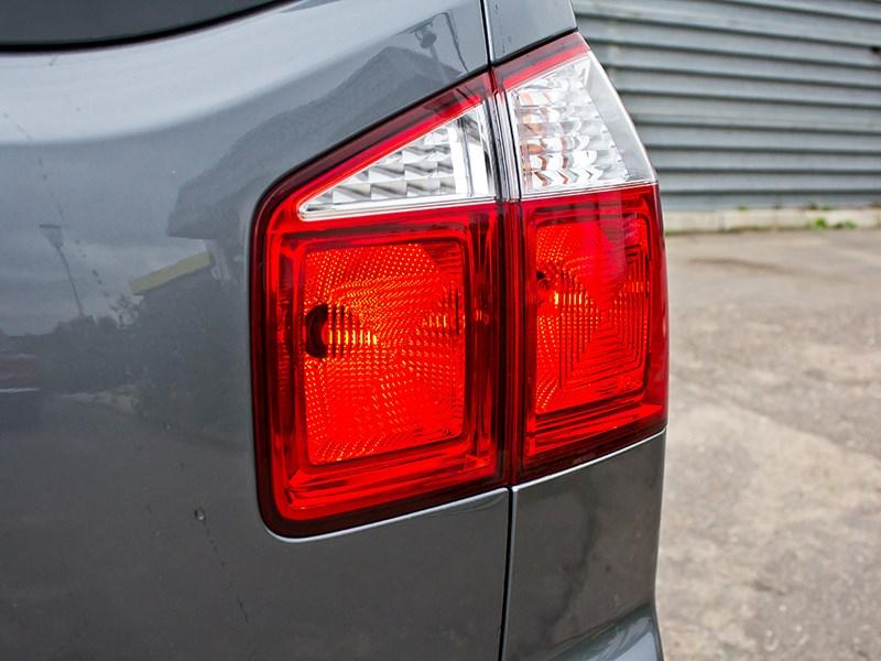 Chevrolet Orlando 2013 задний фонарь