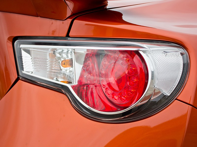 Toyota GT86 2012 задний фонарь