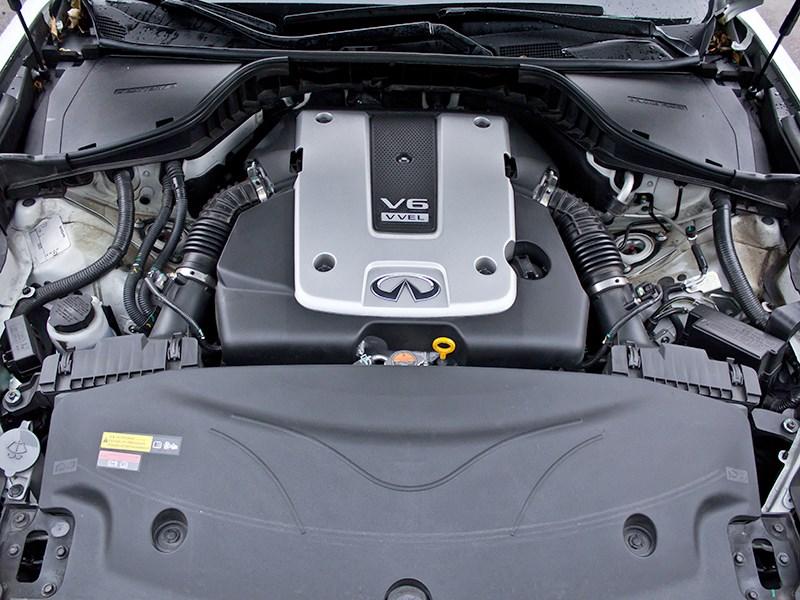 Infiniti M37 2010 двигатель
