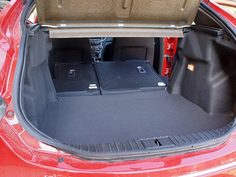 Chery M11 2013 багажное отделение фото 2