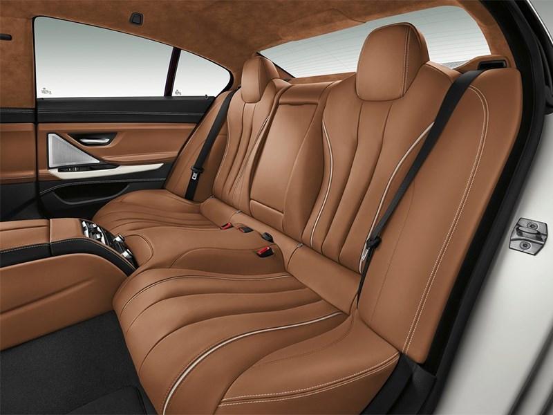 BMW 6-Series Gran Coupe 2015 задние кресла