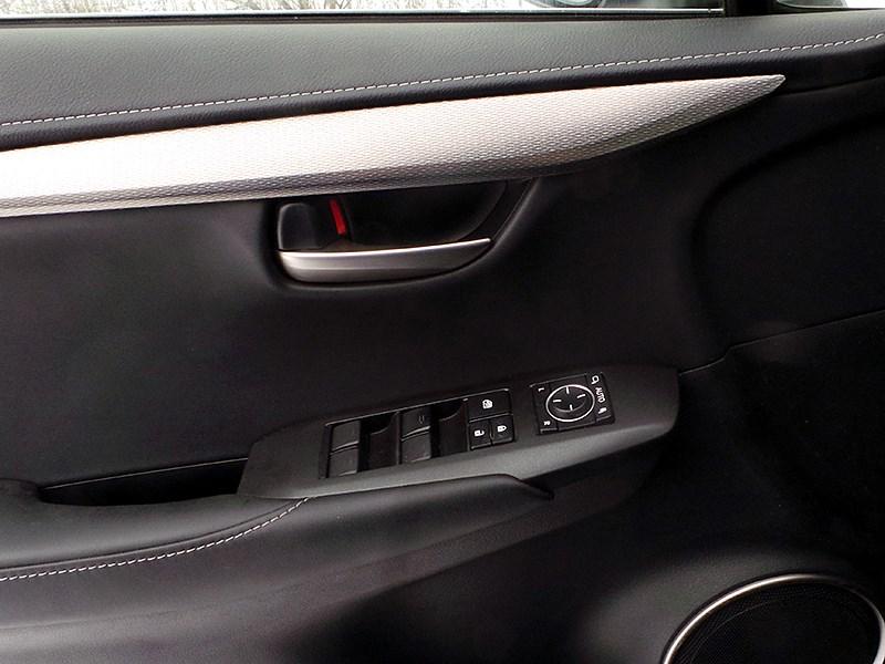 Lexus NX 2014 внутренняя панель двери
