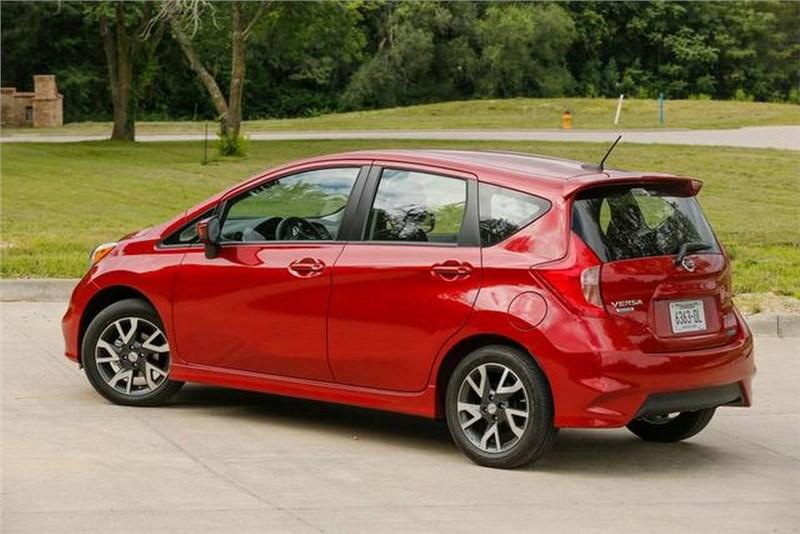 В Японии начались продажи компактвэна Nissan Note с улучшенной системой торможения