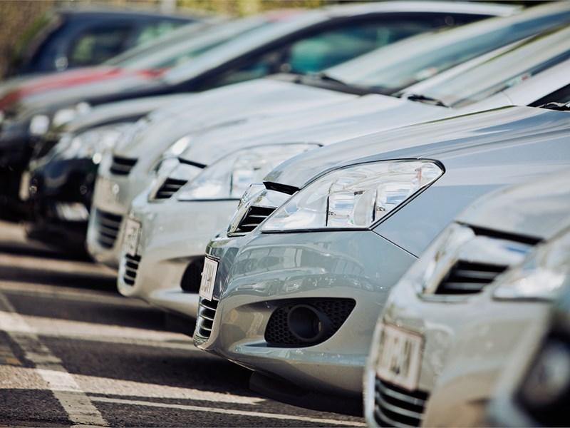 Выручка автопроизводителей падает на фоне кризиса российского авторынка