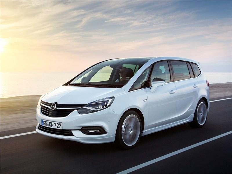 Opel Zafira 2017 Простая история