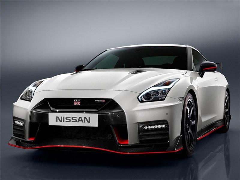 Nissan GTR Nismo 2017 Гонщик