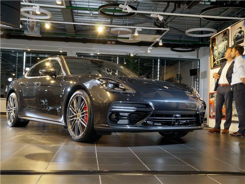Porsche Panamera 2017 Больше спорта
