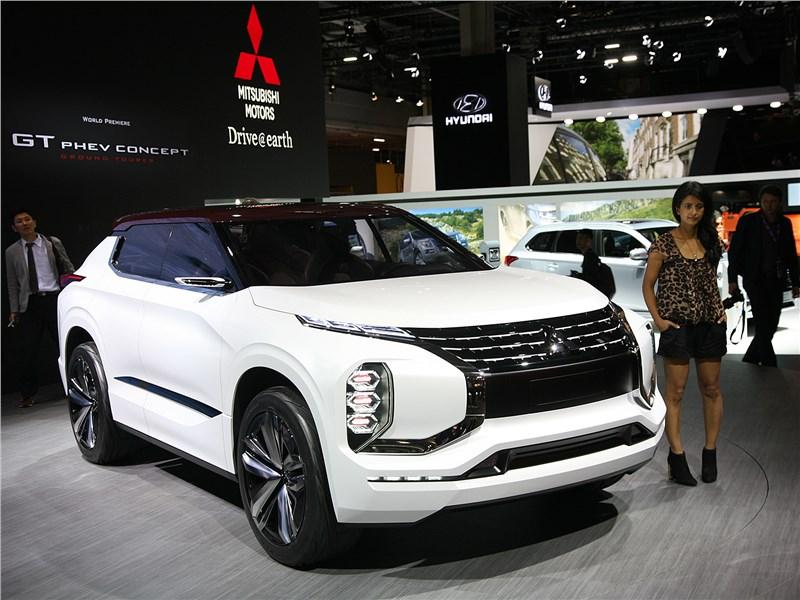 Новый Mitsubishi GT-PHEV - Mitsubishi GT-PHEV concept 2016 Электрическое будущее Mitsubishi