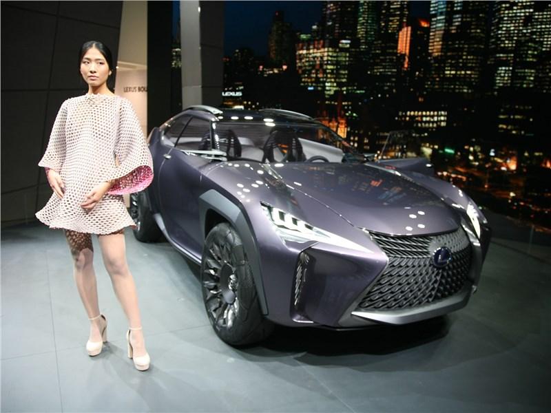 Новый Lexus UX - Lexus UX concept 2016 Кинетика и голография