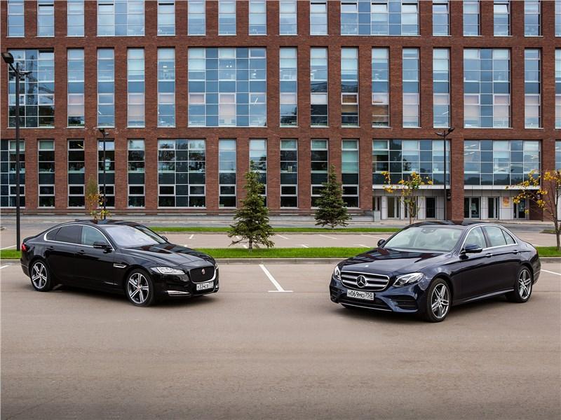Jaguar XF, Mercedes-Benz E-Class - сравнительный тест: mercedes-benz e 220 d 2017 и jaguar xf 2.0 d 2016. межсезонье