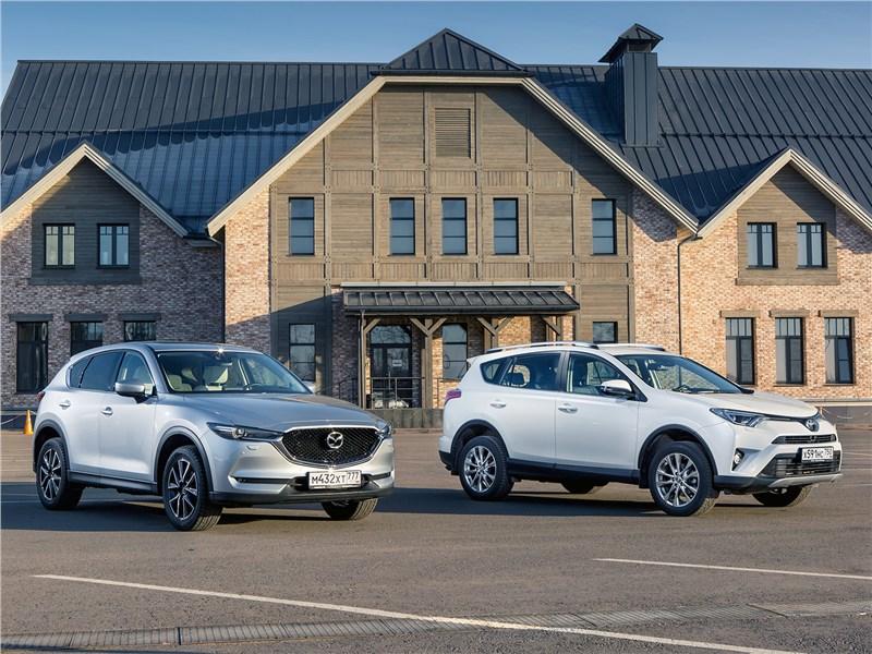 Mazda CX-5, Toyota RAV4 - сравнительный тест mazda cx-5 2017 и toyota rav4 2016 – красавица и мачо