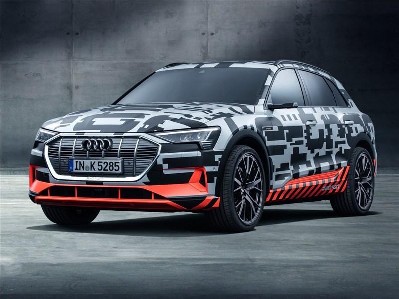 Audi e-tron Concept 2018 В маскхалате