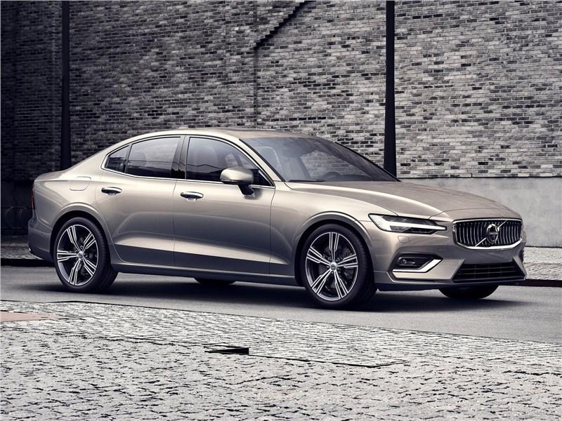 От большого к большему: Volvo S60, BMW 5, Mercedes S-класс, Audi A8, Porsche Panamera S60