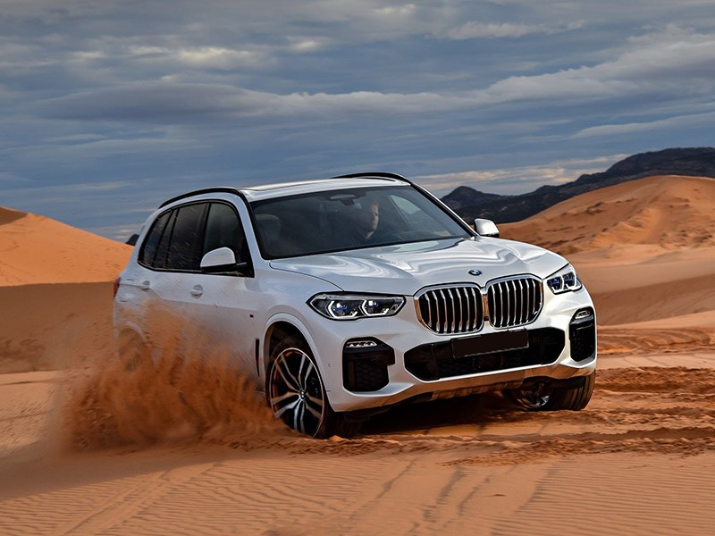 Новый BMW X5 прошел проверку пустыней