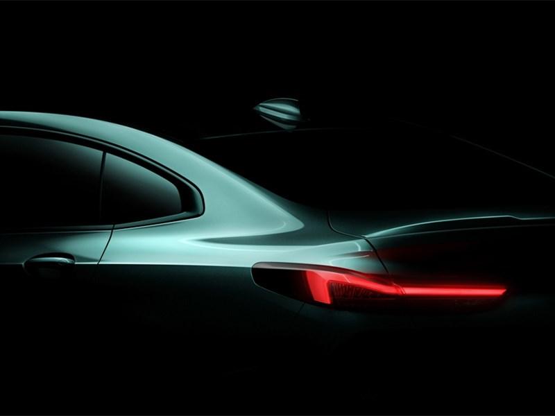 Появился тизер BMW 2 Series Gran Coupe