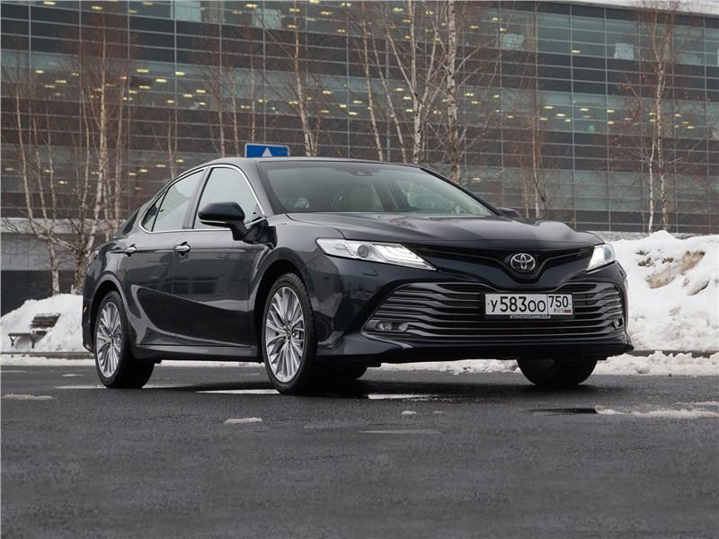 Toyota Camry - toyota camry 2018 за имиджем бизнесмена теперь скрывается нрав драйвера