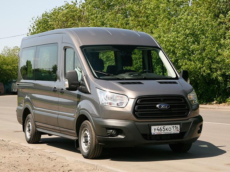 Ford Transit 2015 вид спереди