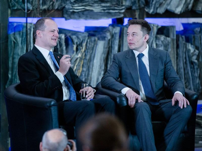 Илон Маск: автопилот Tesla на 50% снижает вероятность ДТП