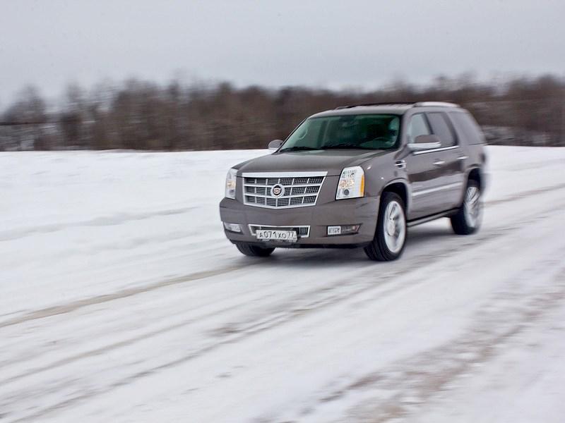 Cadillac Escalade 2009 вид спереди