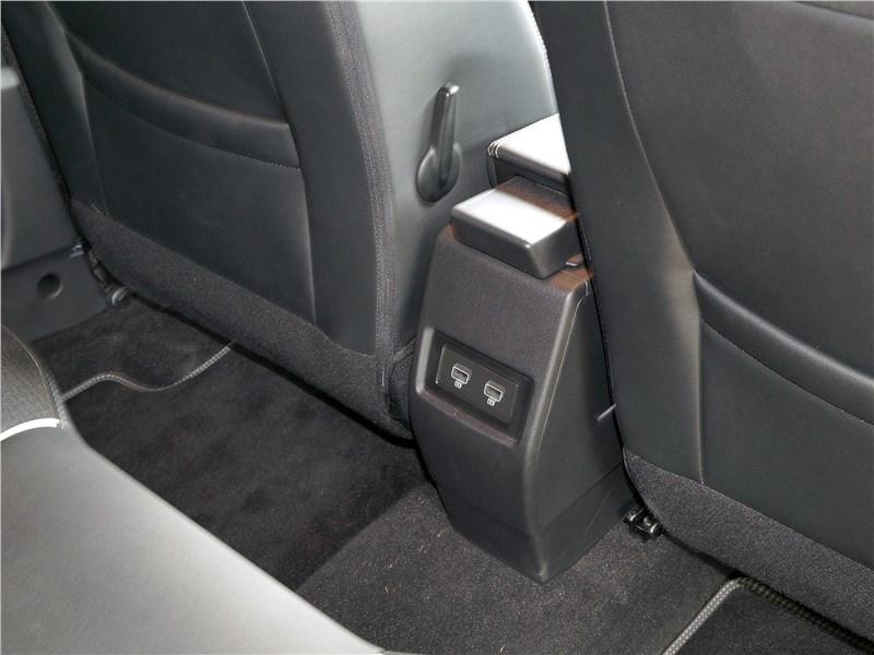 Renault Arkana 2020 второй ряд