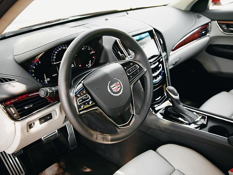 Cadillac ATS 2012 водительское место