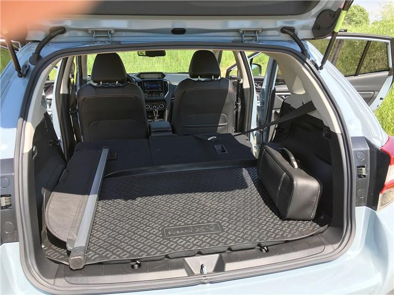 Subaru XV 2018 багажное отделение