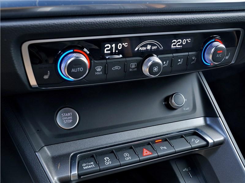 Audi Q3 2019 климат-контроль