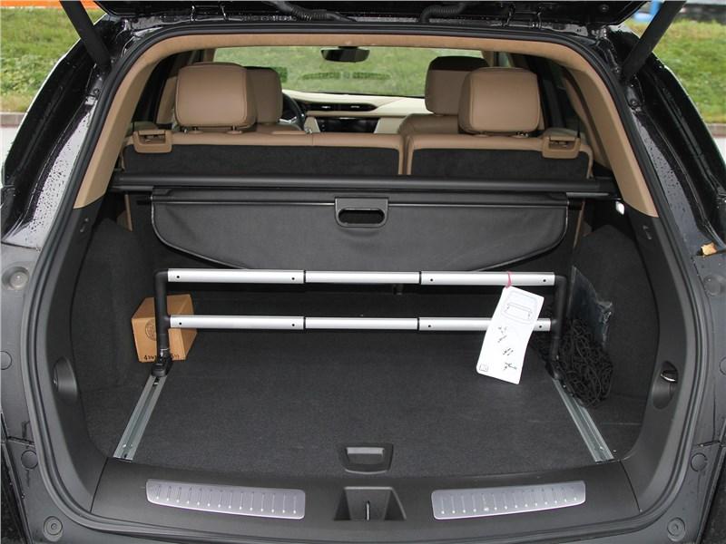 Cadillac XT5 2020 багажное отделение
