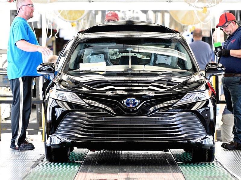 Toyota начала производство новой Camry