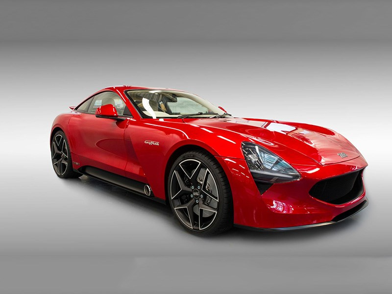 Британцы представили конкурента Jaguar F-Type