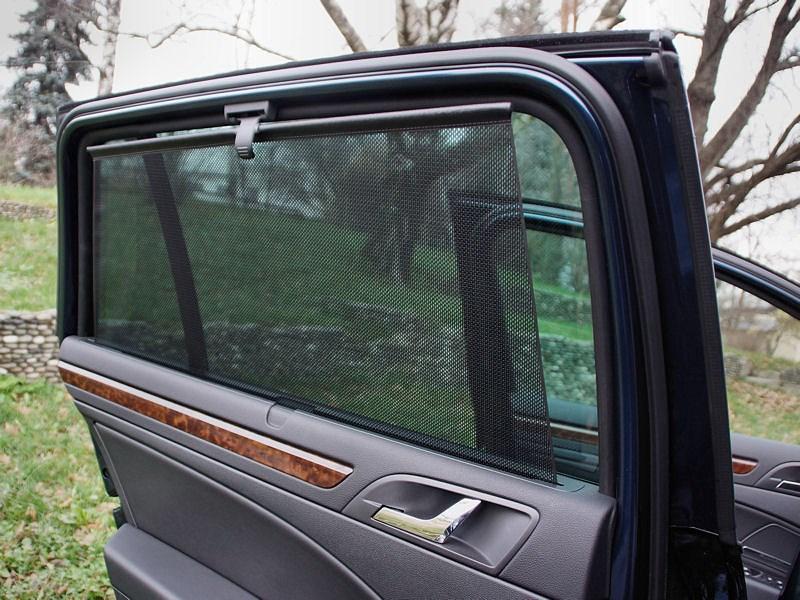 Skoda Superb Combi 2013 шторка