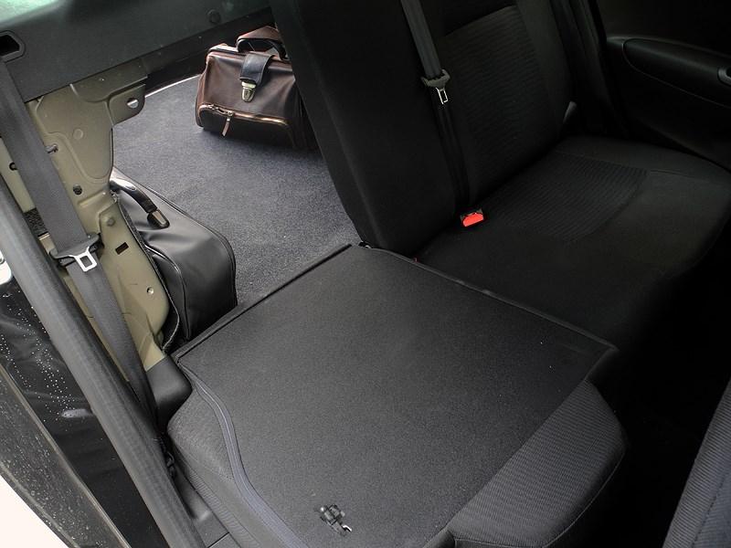 Peugeot 301 2013 задний диван