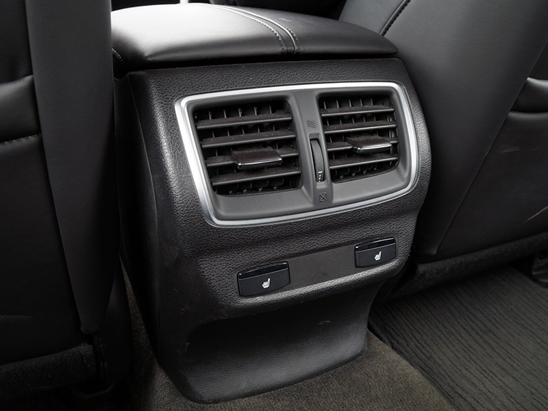 Acura TLX 2015 обогрев второго ряда