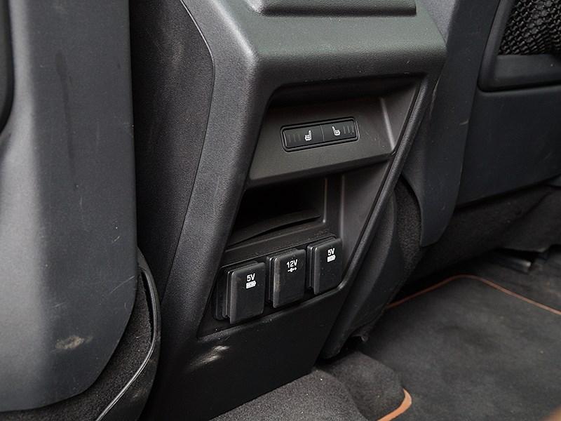 Land Rover Discovery Sport 2015 подогрев задних сидений