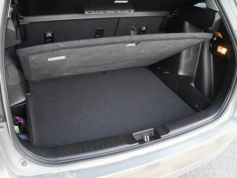 Suzuki Vitara 2015 багажное отделение