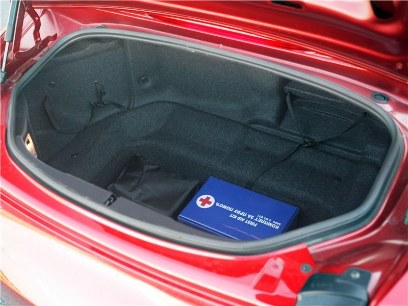 Mazda MX-5 2015 багажное отделение