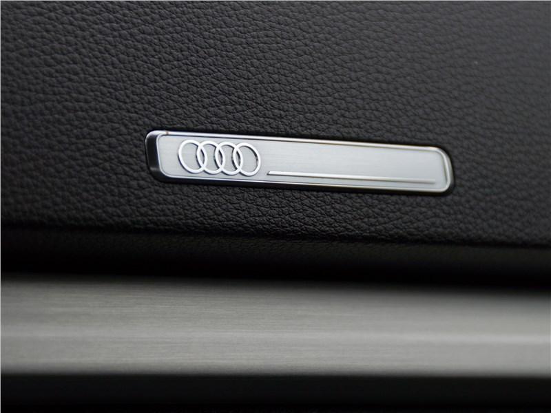 Audi A3 Sedan 2017 шильдик