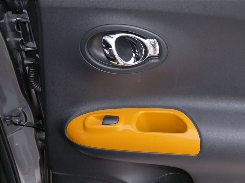 Nissan Juke 2017 дверь