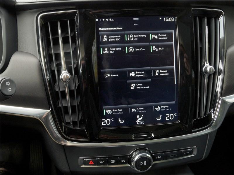 Volvo V90 Cross Country 2017 центральная консоль
