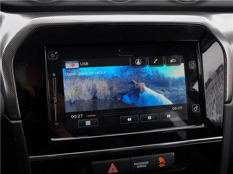 Suzuki Vitara 2019 монитор