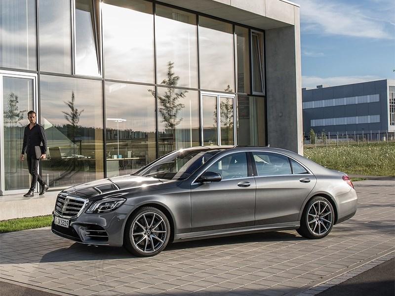 Mercedes-Benz отправит в сервис более тысячи машин в России