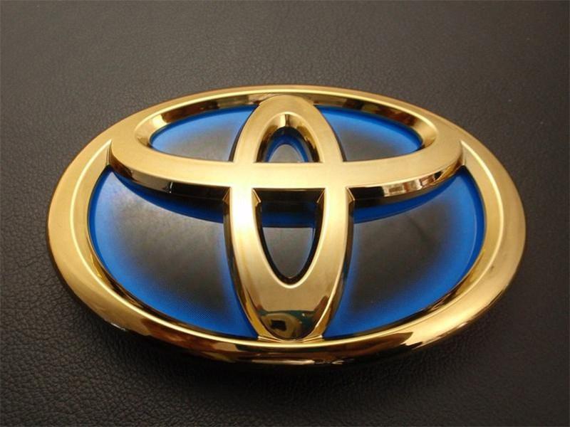 Forbes назвал самый дорогой автомобильный бренд
