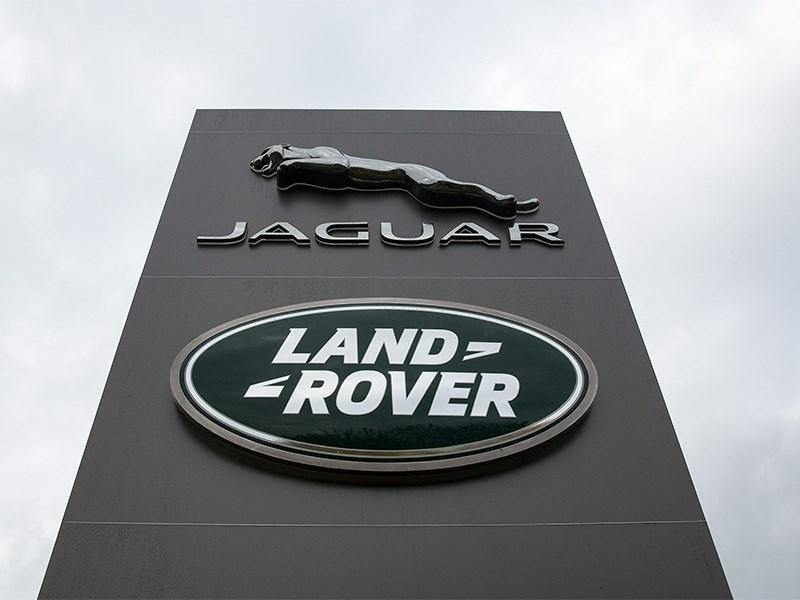 Jaguar и Land Rover решили делать салоны машин из океанического мусора