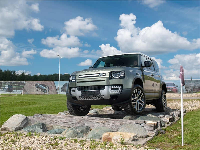 Land Rover Defender 110 2020 вид спереди