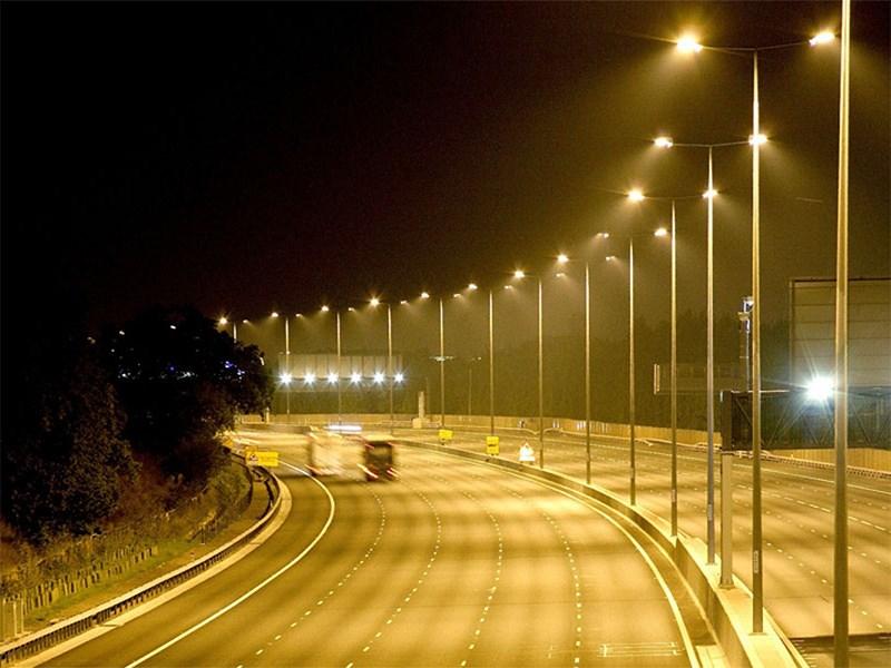 Мишустин хочет, чтобы российские дороги освещались экономно